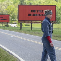 "En esta imagen difundida por Fox Searchlight, Frances McDormand en una escena de ""Three Billboards Outside Ebbing, Missouri"". (Fox Searchlight via AP)"